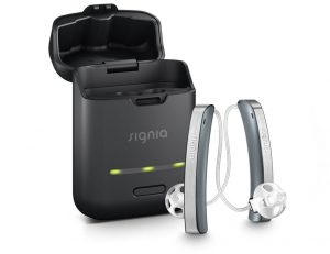 medford-hearing hearing aids singa-Styletto_dark-granite_charger-open_910x700